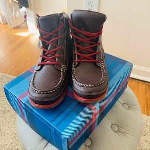 Tommy Hilfiger Brown Boots!! Size 4 youth.
